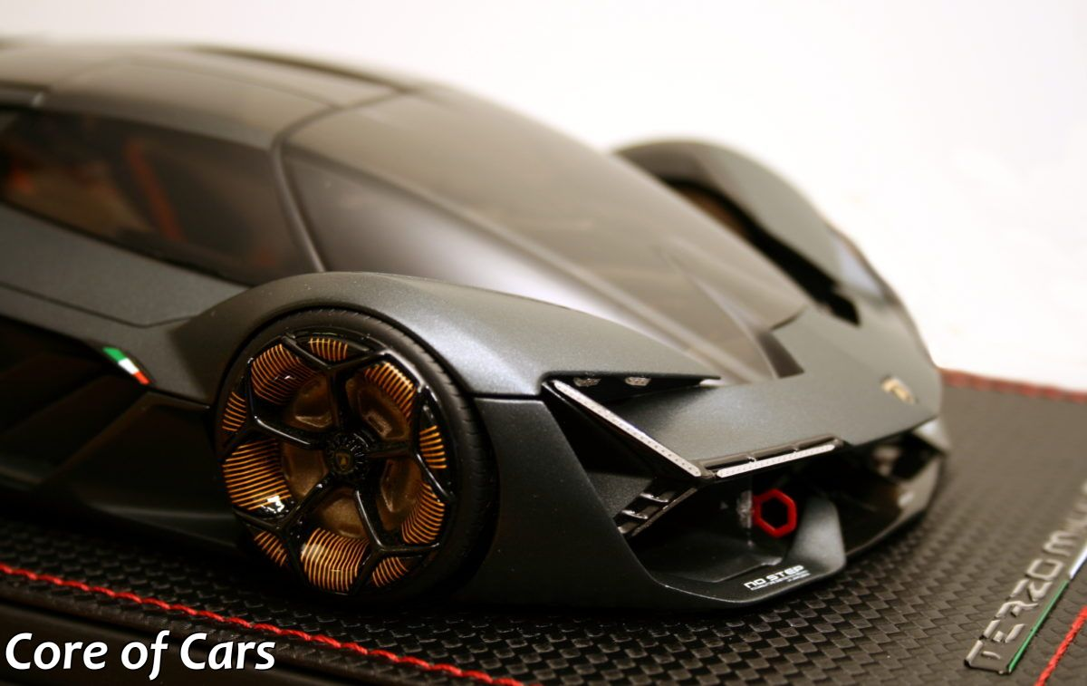Enjoying MR's Lamborghini Terzo Millennio Scale Model