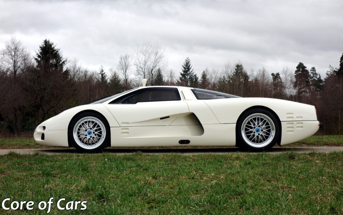 Is There a Second One? Yes, Watch the Isdera Commendatore 112i Spread its Wings
